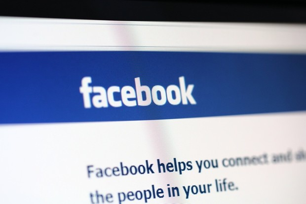 parents-hit-out-over-facebook-plans-to-allow-under-13s-to-sign-up_21810