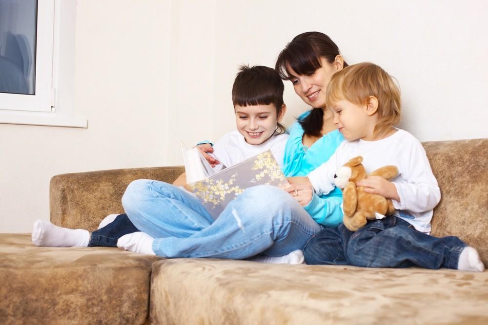 parents-lie-to-their-children-100-times-a-year_11190