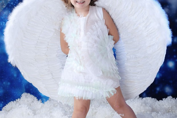 parents-spend-big-to-ensure-child-is-star-of-the-nativity-play_9680