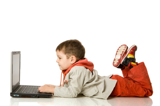 parents-worry-childrens-brains-are-being-rewired-by-facebook_23610