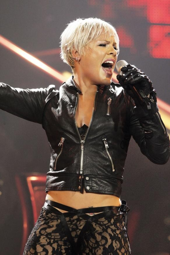 pink-is-rumoured-to-be-pregnant_17284