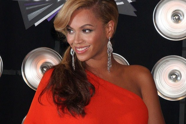 pregnant-beyonce-cant-stand-hubby-jay-zs-smell_28213
