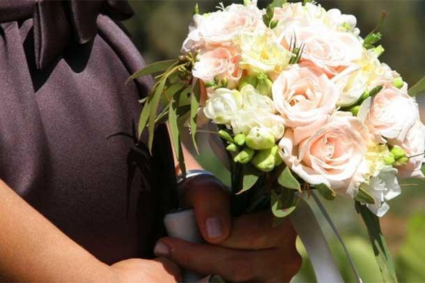 pregnant-bridesmaid-issue_177340