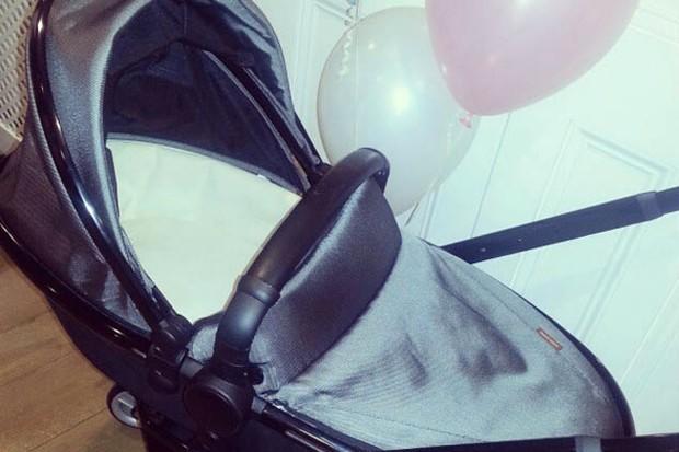 pregnant-rochelle-humes-celebrates-at-lavish-baby-shower_46416