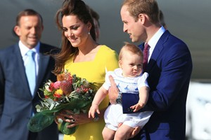prince-george-arrives-down-under-in-traditional-royal-romper_55714