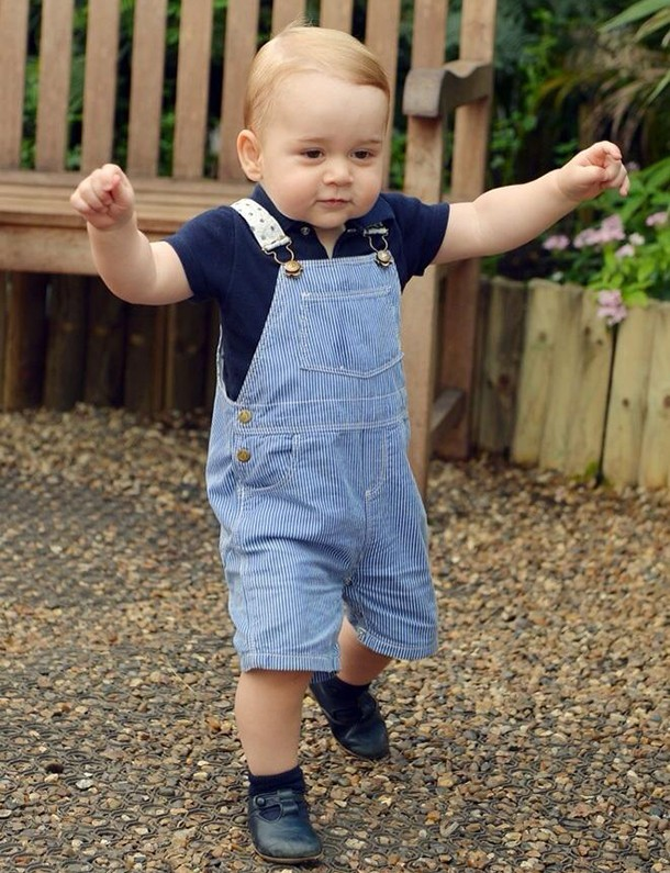 prince-george-is-walking-new-official-birthday-pic_58472