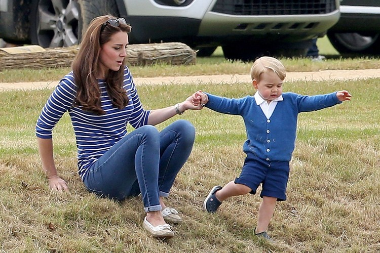 prince-george-the-fashion-icon-strikes-again-as-sales-of-crocs-soar_127356