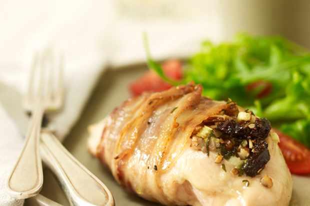 prune-pecan-and-celery-stuffed-chicken_12067