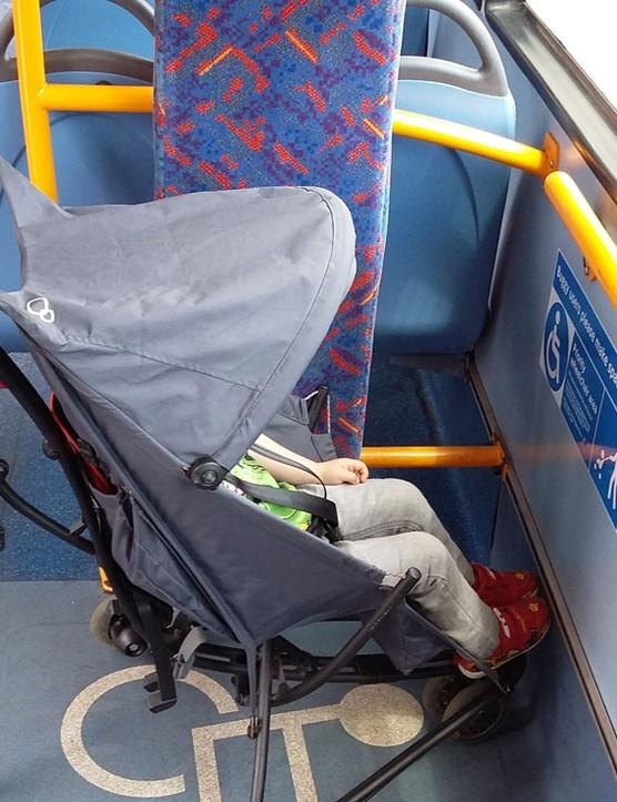 quinny-yezz-lightweight-stroller_180231