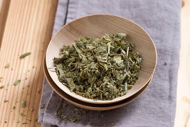 raspberry-leaf-tea-pregnancy-and-labour_raspberryleaftea