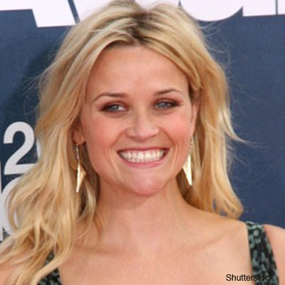 reese-witherspoon-receives-traditional-royal-baby-gift_73206