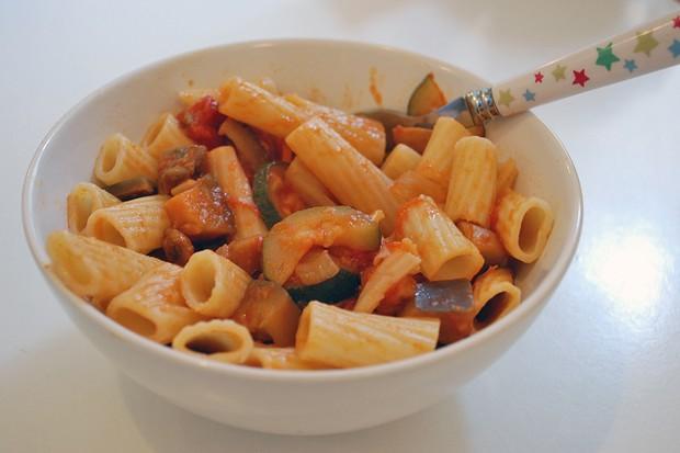 rigatoni-with-five-veg-pasta-sauce_48651