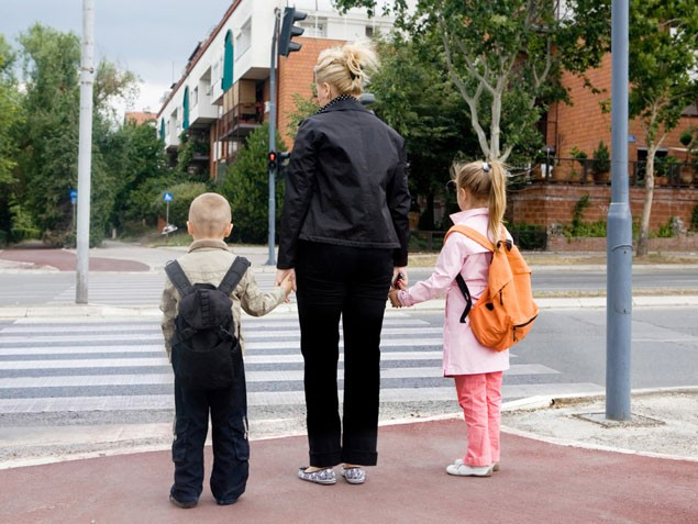 road-safety-teaching-your-child-the-rules-of-the-road_9227