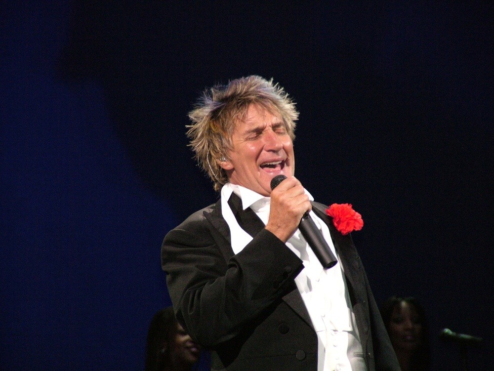 rod-stewart-to-be-a-dad-for-the-eighth-time_14940
