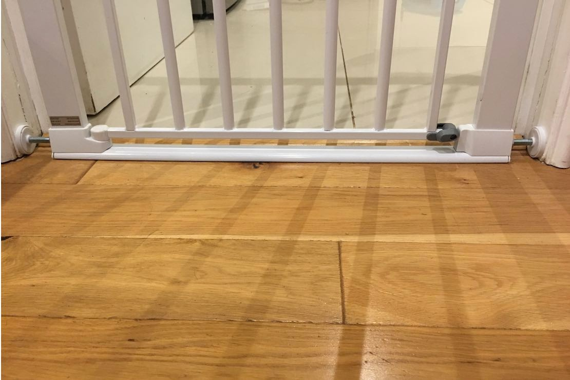 safety-1st-securetech-flat-step-gate_step