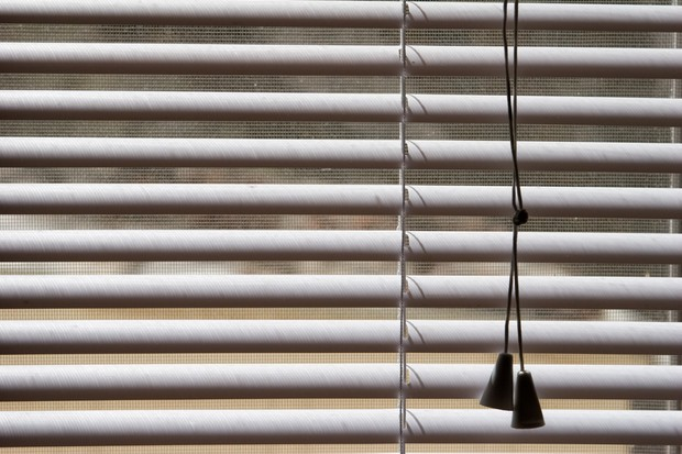 safety-campaigns-to-raise-awareness-of-window-blinds-danger_19560