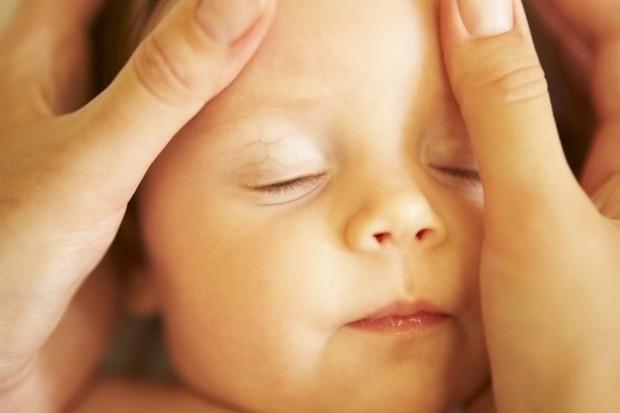 fa1fd415b84 Safety concerns over baby slings - MadeForMums