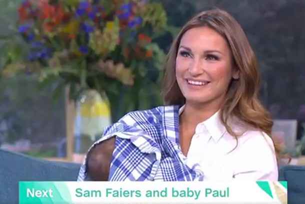 sam-faiers-praised-for-breastfeeding-baby-paul-live-on-this-morning_164374