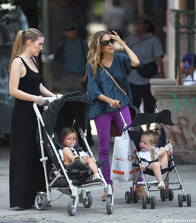 sarah-jessica-parkers-cute-twins-talk-shoes-aged-2_26138