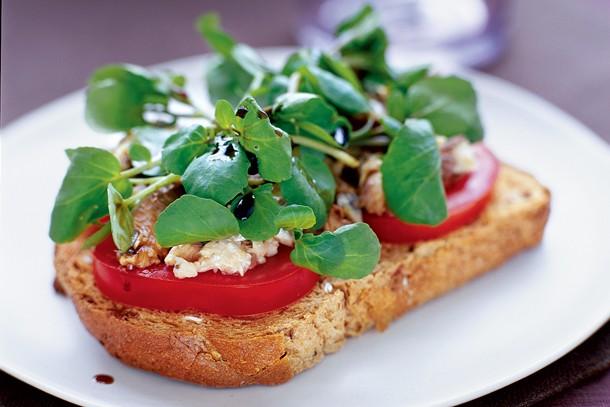sardines-and-watercress-salad-on-toast_143181