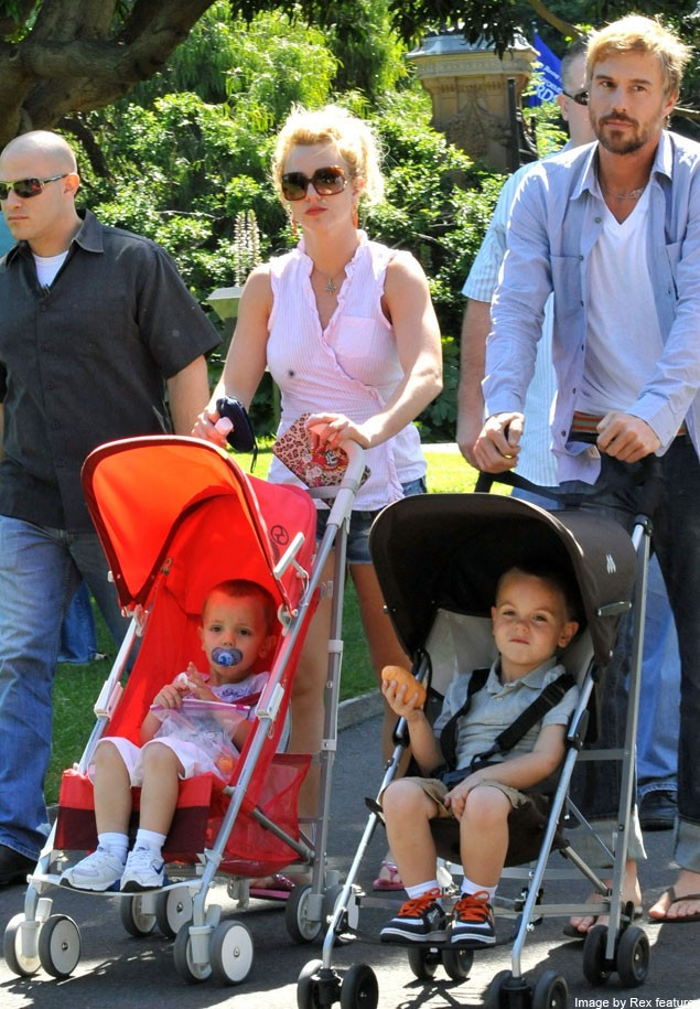 sibling-on-the-way-for-britney-spears-sons_20544
