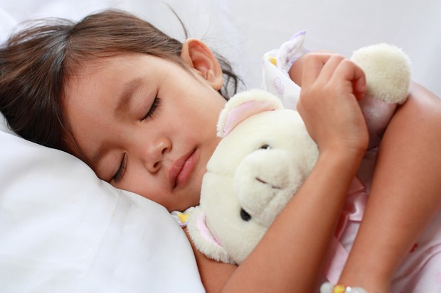 sleeping-for-less-than-nine-hours-a-night-makes-children-struggle-at-school_27691