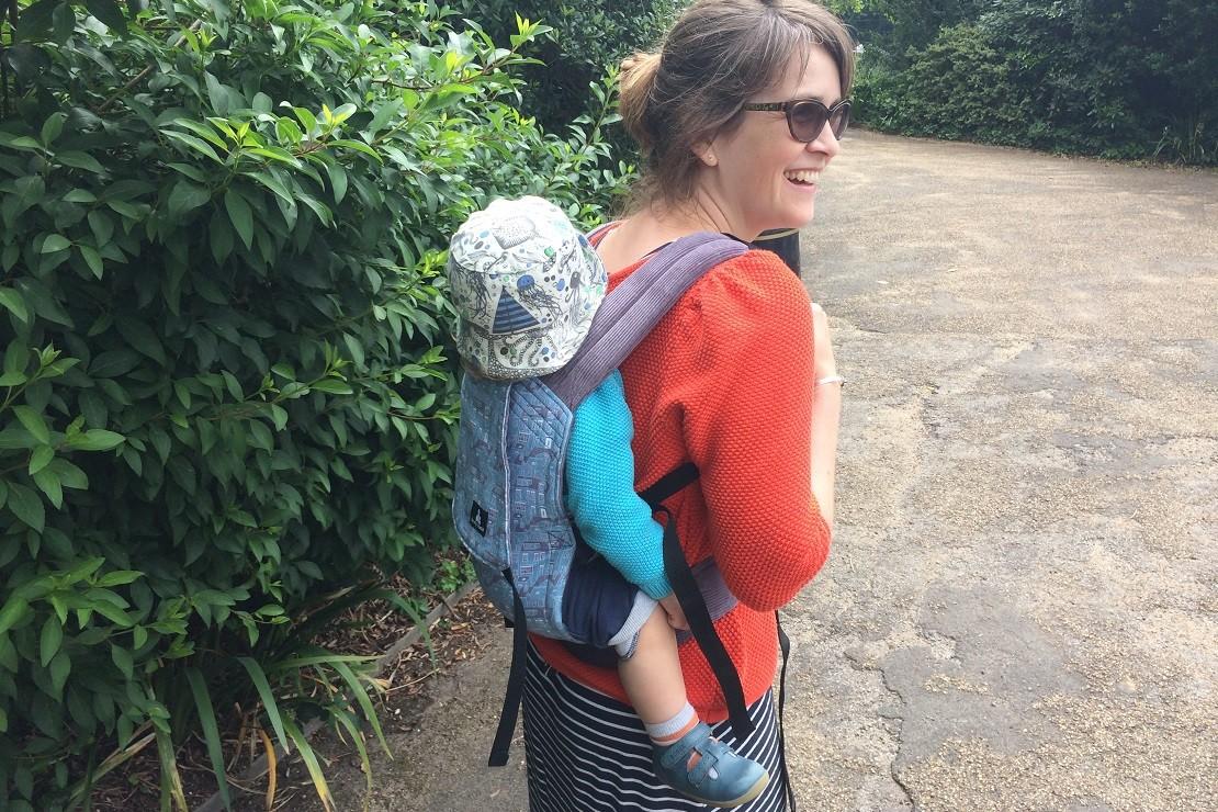 Sleepy Nico baby carrier used on back