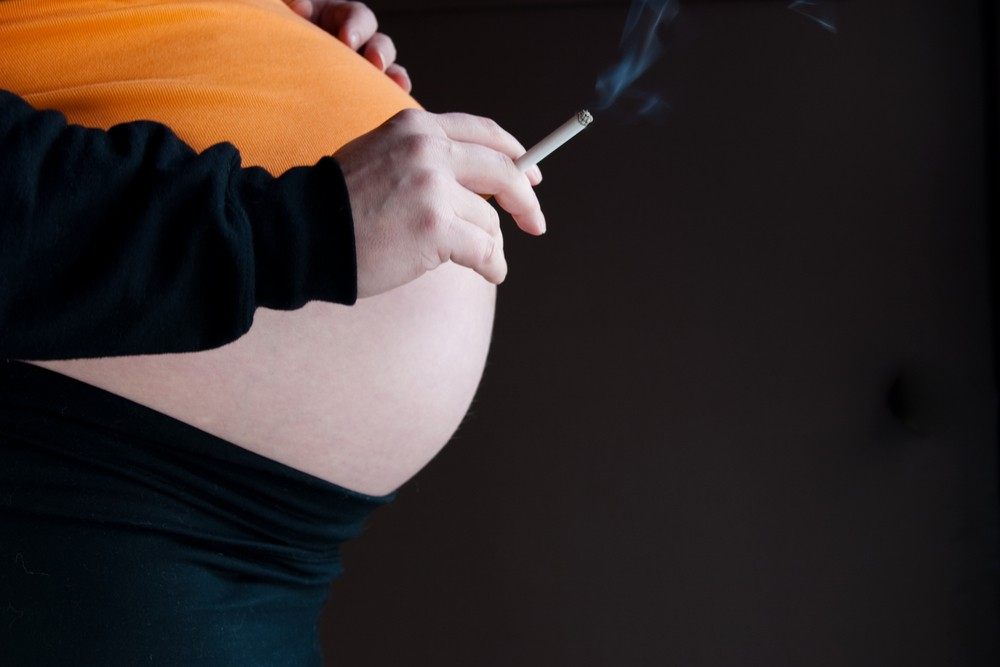 smoking-in-pregnancy-linked-to-asthma-and-obesity_12098
