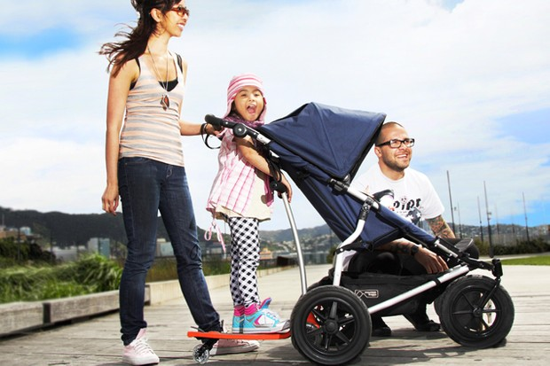 sneak-preview-new-2-in-1-buggy-board-and-scooter-on-the-way_18739