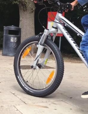 specialized-hotrock-20-bike_215480