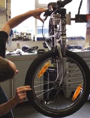 specialized-hotrock-20-bike_215481