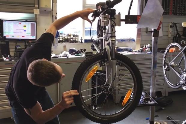 specialized-hotrock-20-bike_eworkshop1