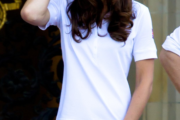 spotted-the-duchess-of-cambridge-starts-maternity-shopping_44739