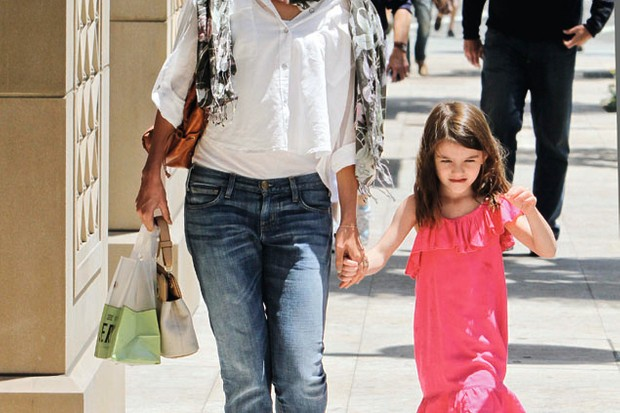 steal-katie-holmes-and-suri-cruises-mum-and-daughter-look_28950