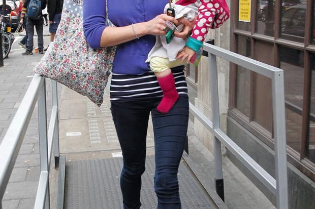 steal-sara-coxs-mum-and-daughter-look_29101