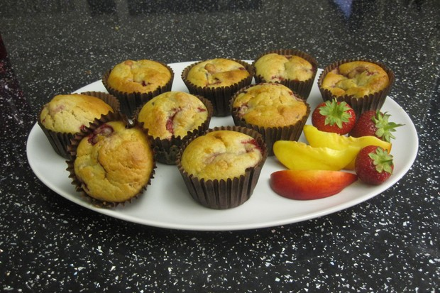 strawberry-and-peach-muffins_27137