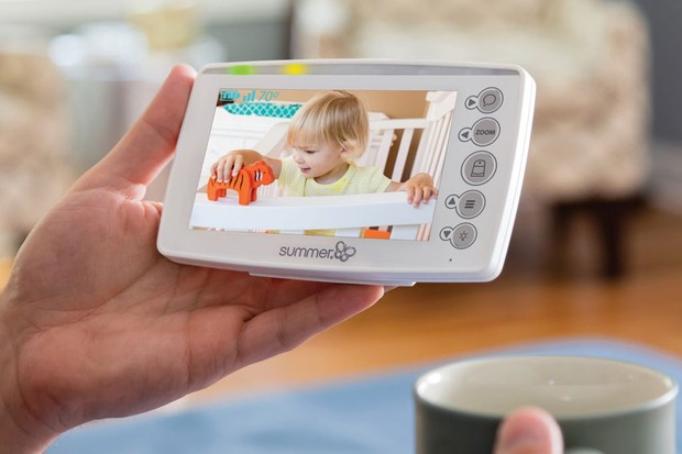 Summer Infant Panorama is easily portable