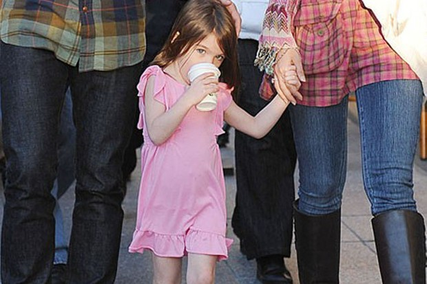 suri-cruise-spotted-with-x-rated-gummy-sweets_19904