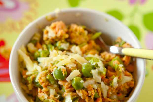 sweet-pea-and-salmon-supper_17356