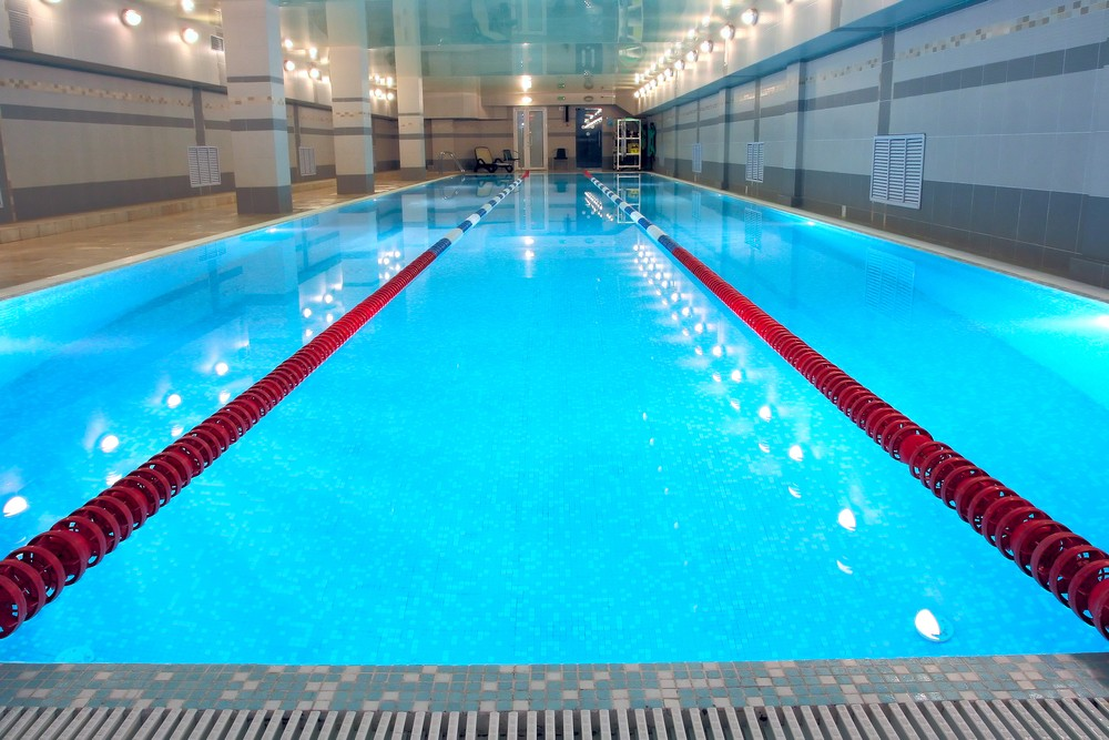 swimming-pool-bans-floats-for-safety-reasons_17945