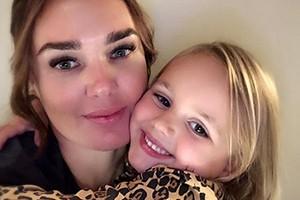 tamara-ecclestone-four-year-old-sophia-stops-breastfeeding_208057