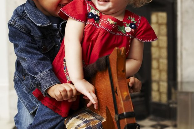 teaching-good-manners-and-social-skills-to-your-toddler_16130