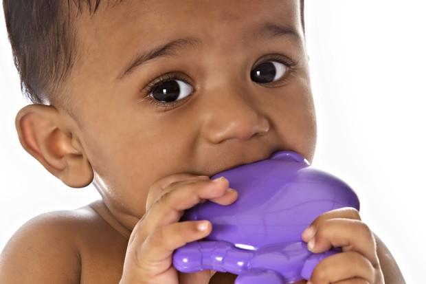 teething-symptoms-in-your-baby_23079
