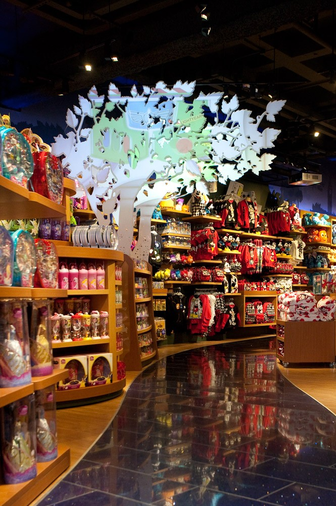 the-disney-store-is-having-a-magical-makeover-_15888
