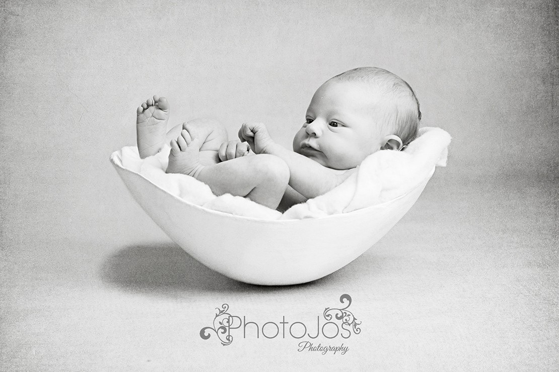the-photographer-who-puts-babies-back-in-their-bump_126881