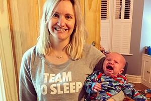 the-unmumsy-mum-crying-newborn_191505