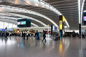 this-mother-was-forced-to-throw-out-2-weeks-worth-of-breast-milk-at-heathrow_149250