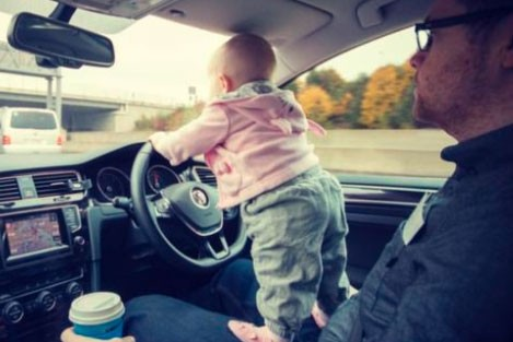 toddler-climbs-banisters-and-drives-down-dublin-motorway-with-dads-help_drive