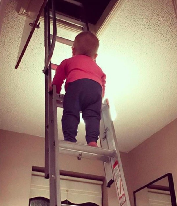 toddler-climbs-banisters-and-drives-down-dublin-motorway-with-dads-help_ladder