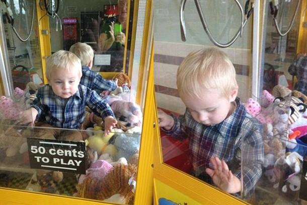 toddler-gets-stuck-in-toy-grabber-machine_62203